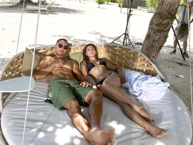 Derek Ramsay and Lovi Poe on the set of The Escort